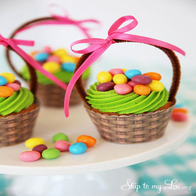 Paper easter cupcake baskets - wrappers  ( with free printable )