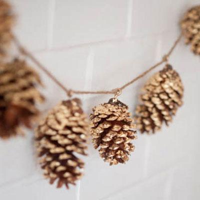 DIY Gold leaf pinecone garland - easy winter decor